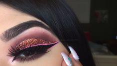 ♡Pink Glitter Cut Crease ♡ by Me Follow me on my Instagram: miss_amandalov 1996 & my YouTube: miss_amandalov1996 to see makeup tutorials. Snapchat: Amandalov96