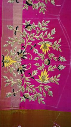 Best Blouse Designs, Bridal Blouse Designs, Zardosi Embroidery, Beaded Embroidery, Embroidery Stitches, Hand Work Design, Maggam Work Designs, Border Embroidery Designs, Work Blouse