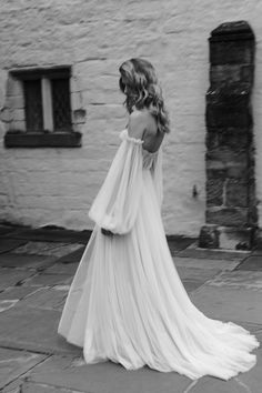 The White Files is the source of luxurious and modern wedding inspiration. Black Wedding Dresses, Boho Wedding Dress, Wedding Gowns, Casual Wedding, Wedding Outfits, Red Wedding, Wedding Blog, Moda Boho, Dream Dress