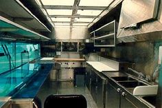 Adequate and properly designed food truck lighting is essential in a mobile food kitchen for staff safety and efficiently to do their jobs. Mobile Catering, Catering Food, Wedding Catering, Food Truck Festival, Food Truck Design, Food Design, Food Truck Interior, Taquero, Food Truck Business