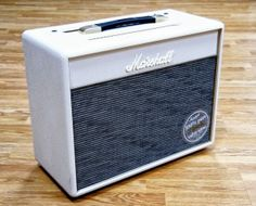 5 Watt / Cream tolex Marshall Class 5 combo