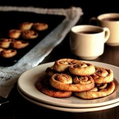 Cinnamon Roll Cookies are full of sweetness and cinnamon and fall. #foodgawker