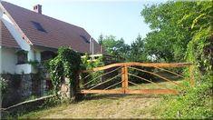 fa kapu építése, diy Fa, Garden Bridge, Outdoor Structures, Cabin, Zulu, Fences, House Styles, Wood, Outdoor Decor