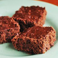 Brownies w/ carrot and spinach hidden inside. Perfect for the toddler who won't eat his veggies!