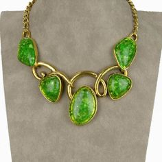 Chic Green Lucite GP Gold Plated Collar Bib Chain Engagement Necklace Pendant