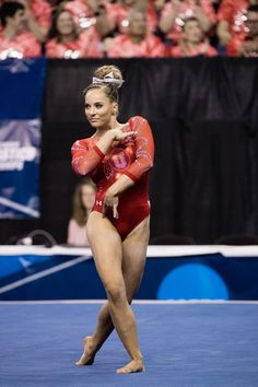 April 2017 - Semifinal of the 2017 NCAA Women's Gymnastics Championships at Chaifetz Arena in St. Tumbling Gymnastics, Gymnastics Coaching, Gymnastics Poses, Artistic Gymnastics, Olympic Gymnastics, Olympic Sports, Gymnastics Girls, Olympic Games, Michael Phelps Olympics
