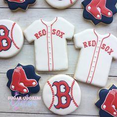 Baseball Boys Team - - Baseball Clothes For Women - - Baseball Ideas Party Cupcake Cookies, Sugar Cookies, Red Sox Cake, Baseball Mom, Baseball Jerseys, Major Baseball, Baseball Anime, Dodgers Baseball, Baseball Cupcakes