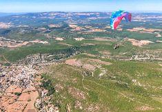 Voyage en Provence - FMR Blog Voyage - Visite en Luberon Blog Voyage, Provence, Mountains, Nature, Travel, Viajes, Traveling, Nature Illustration, Off Grid