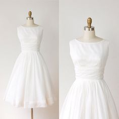 1950s  Wedding Dress; the one I want if one day I'll mary me.
