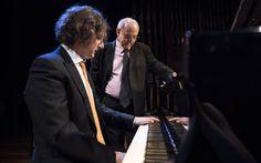 Francesco Libetta al piano con el actor Emilio Gutiérrez Caba ejerciendo como narrador en la primera sesión del ciclo de conciertos dedicados a Proust.