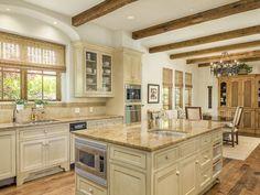 Gorgeous Santa Barbara style home in Texas