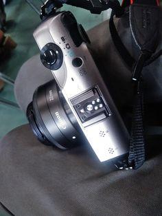 https://flic.kr/p/VXwRQo | Canon 22mm | a small digital camera on my lap.
