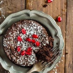 dessertgallery:  Skinny Flourless Chocolate Cake-Get your hourly source of sweet inspirations! || Follow us on FB too!