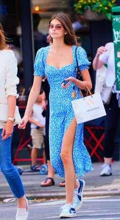 Kaia Gerber Street Style - Kaia Gerber Street Style Source by - Fashion Fail, Fashion Trends, 2000s Fashion, Fashion Tips, Casual Dresses, Fashion Dresses, Look Street Style, Summer Outfits, Summer Dresses
