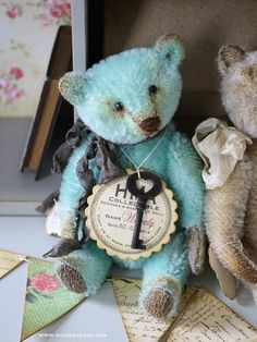 vivianne galli | ... vintage looking Hug Me Again collectible Mohair bear by Vivianne Galli