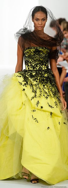 Oscar de la Renta | S/S 2014 - love to have more African-American, Hispanic and Asian models to express the diversity of beauty in our country