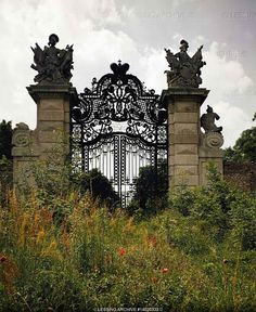 BAROQUE ARCHITECTURE Entrance gate of Schlosshof, Lower Austria. In Prince Eugene of Savoy acquired the medieval fortress Hoff on the March River and had Johann Lukas von Hildebrandt rebuild it in Baroque style, Castle, Schlosshof, Austria Abandoned Mansions, Abandoned Buildings, Abandoned Places, Architecture Baroque, Medieval Fortress, Wrought Iron Gates, Gate Design, Portal Design, Door Design