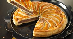 2Galette-au-chocolat-Crédit-photos-Christophe-Doucet-615x335 Fall Recipes, Sweet Recipes, Cooking Time, Cooking Recipes, French Desserts, Sweet Pastries, Jewish Recipes, Chocolate Desserts, Good Food