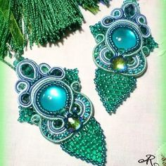 Orecchini soutache total green #orecchini #orecchinifattiamano #earrings #soutachemania #soutache #soutaches #soutachejewerly #bigiotteriaartigianale