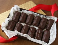 Almond Coconut Candy Bars (aka Almond Joy recipe)Also make without the almonds on top Candy Recipes, Cookie Recipes, Dessert Recipes, Great Desserts, Delicious Desserts, Yummy Food, Holiday Baking, Christmas Baking, Coconut Candy Bars