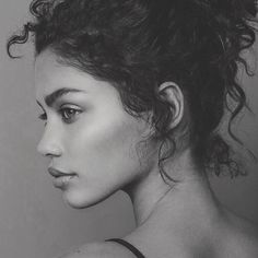 Side Portrait, Foto Portrait, Female Portrait, Portrait Art, Face Drawing Reference, Art Reference Poses, Photo Reference, Photographie Portrait Inspiration, Girl Photo Shoots