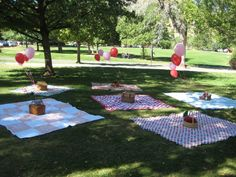 Blankets and picnic baskets instead of tables