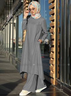 Abaya Fashion, Modest Fashion, Fashion Outfits, Morocco Fashion, Moslem Fashion, Hijab Style Dress, Mode Abaya, Pakistani Dresses Casual, Stylish Dresses For Girls