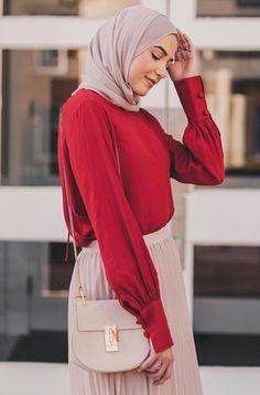 5 Piece-of-Cake Hijabi Outfit Ideas You Don't Want to Miss This Summer! 5 Piece-of-Cake Ideas You Don't Want to Miss This Summer! Modest Dresses, Modest Outfits, Classy Outfits, Chic Outfits, Modest Clothing, Muslim Women Fashion, Modern Hijab Fashion, Hijab Fashion Inspiration, Modest Summer Fashion