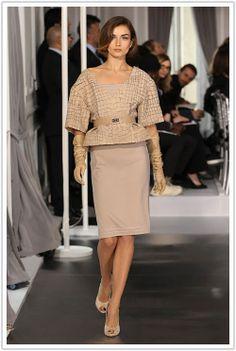 Christian Dior Haute Couture | ... Christian Dior Haute Couture primavara/vara 2012. Mai intai cateva