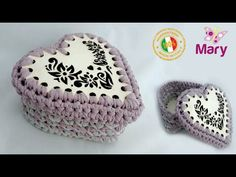 Scatola a cuore con basi in legno   heart box crochet - YouTube Crochet Tote, Baby Shoes, Basket, Tote Bag, Youtube, Kids, Boxing, Hampers, Hearts