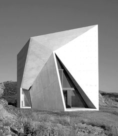 Designed by Madrid-based architecture office S-M., the Chapel in Valleacerón is a fold concrete architecture with naked design and no artificial Architecture Pliage, Folding Architecture, Architecture Cool, Minimalist Architecture, Contemporary Architecture, Triangular Architecture, Concrete Architecture, Contemporary Houses, Architecture Interiors