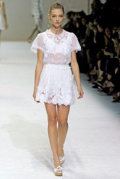 Dolce & Gabbana Spring 2011 Ready-to-Wear Fashion Show - Sasha Pivovarova