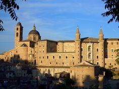 https://flic.kr/p/doCEZs | Happy Sunday ! / Urbino, Italy