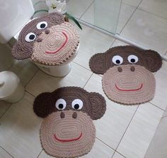 Well, I am beginning with this unique and unusual pattern made with the crochet… Crochet Carpet, Crochet Home, Crochet Crafts, Crochet Baby, Crochet Projects, Crochet Ideas, Bad Set, Animal Rug, Crochet Rug Patterns