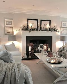 Affordable Apartment Living Room Design Ideas With Black And White Style - Salon Decor Living Room With Fireplace, Cozy Living Rooms, Living Room Modern, My Living Room, Apartment Living, Interior Design Living Room, Home And Living, Living Room Designs, Cosy Living Room Decor
