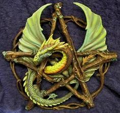 Nemesis-Now-Anne-Stokes-FOREST-PENTAGRAM-DRAGON-WALL-PLAQUE-Wiccan