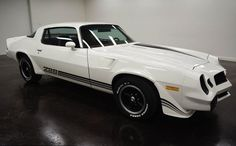 1980 Chevrolet Camaro Z28: with 2 doors and red on the inside and white on the exterior automatic transmission turbo 350 of 34,034,000 and a 350 V8 engine with 15-inch wheels; Wine used: 1P87LAL509244 and numbers are not matched.   This vehicle is available for sale, contact us on: www.misterdeals.com / or call us on: 08-05-08-02-81 if you are interested in this vehicle.   Our prices are: 14.499 euros