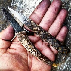 Types Of Knives, Knives And Tools, Knives And Swords, Viking Sword, Viking Axe, Powder Horn, Wood Knife, Aradia, Forged Knife