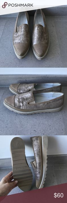 Donald J Pliner Flats Comfortable! They look lovely on! Donald J. Pliner Shoes Flats & Loafers