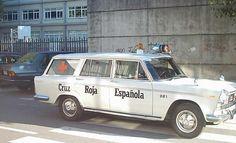 Antigua Ambulancia de Cruz Roja Española  Modelo: Seat 1500  Año: 1970