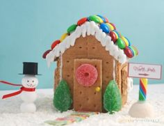 Great alternative to gingerbread house. Idea for winter birthday party. Gingerbread House Parties, Gingerbread Houses, Graham Cracker House, Girl Birthday, Birthday Ideas, Winter Wonderland Birthday, Winter Birthday Parties, Christmas Crafts, Xmas
