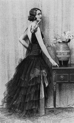 "lamodedemode:   robe du soir 1928 by .pintuck on Flickr. Via Flickr: Les Modes (Paris) December 1928 ""pluie d'etoiles"" robe du soir par Boue Soeurs"