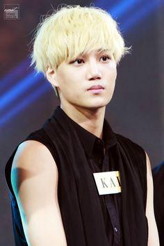 Kai wae wae????????????? why on earth would u hav to make cute expression like this??