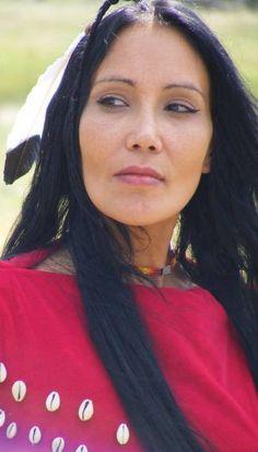Native American Models, Native American Pictures, Native American Beauty, Native American History, American Indian Girl, Indian Girls, American Indians, Cherokee Woman, Native Indian