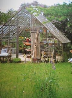 Växthus Corrugated Plastic, Cold Frame, Diy Greenhouse, Conservatory, Garden Houses, Home And Garden, Fika, Terraces, Pools