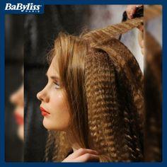 Direttamente dagli anni '80 torna il frisè! Ragazze siete pronte al look più voluminoso che ci sia? Sbizzarritevi! #BaByliss #capelli #hair #frisè #beauty #tendenza #look #acconciatura #bellezza #style #hairstyle