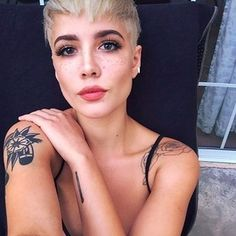Selling out Madison Square Garden marks for a great year, yes? Feelings towards Halsey are similar to the feelings the singer has towards cereal — it's an obsession. | 11 Badass Queer Women You Totally Crushed On This Year