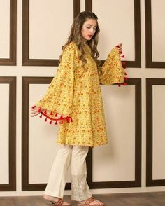 20 Classy Outfits for Pakistani Girls with Short Height Stylish Dresses For Girls, Stylish Dress Designs, Frocks For Girls, Simple Dresses, Casual Dresses, Girls Dresses, Winter Dresses, Stylish Dress Book, Pakistani Fashion Party Wear