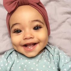 I can't cope with those dimples, lashes and that killer smile!! Beautiful Turban is from @turbansfortots