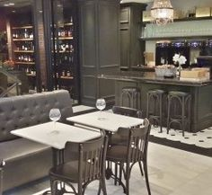 Vintage Wine Bar & Bistro: classy and gourmet  Advanced service with personal consultation on the long wine list and the delicious dishes.